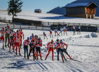 Dolomitenlauf Skating 2016, 24.01.2016, Lienz, Austria (AUT): The leading group in Dolomitenlauf  - FIS Marathon Cup Dolomitenlauf, Lienz (AUT). www.nordicfocus.com. © Russolo/NordicFocus. Every downloaded picture is fee-liable.