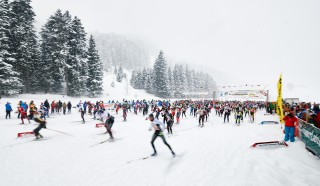 Skitrail Tannheimer Tal Bad Hindelang 2015, 25.01.2015, Tannheimer Tal, Austria (AUT):  start of the 36 k race