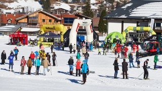 Ski Trail 2016, 30.01.2016, Tannheimer Tal, Austria (AUT) - Bad Hindelang, Germany (GER):  crowded finish area  - Skitrail Tannheimertal, Bad Hindelang (GER). www.nordicfocus.com. © Felgenhauer/NordicFocus. Every downloaded picture is fee-liable.